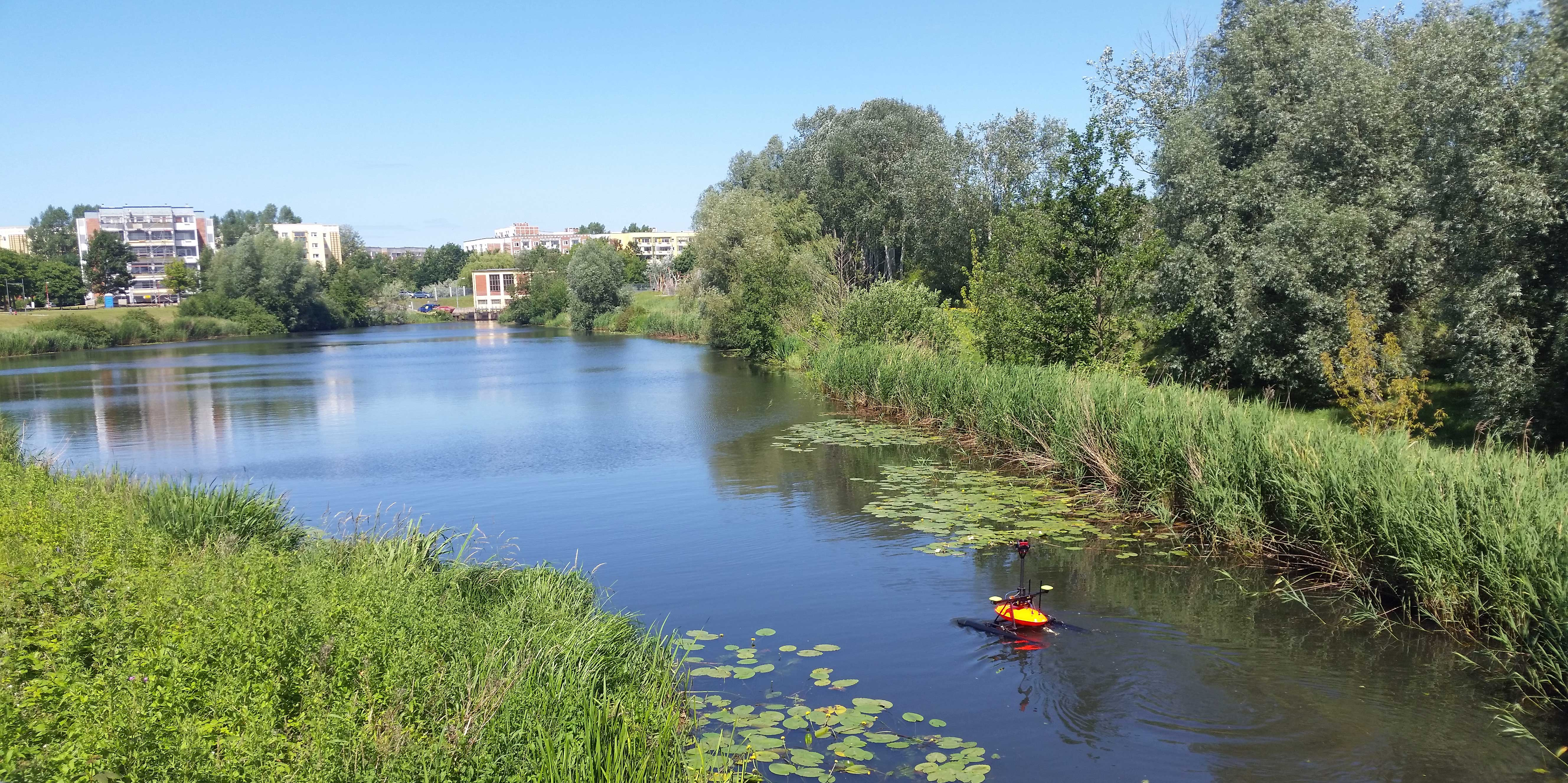 Das RiverBoat in Aktion auf der Unterwarnow bei Rostock