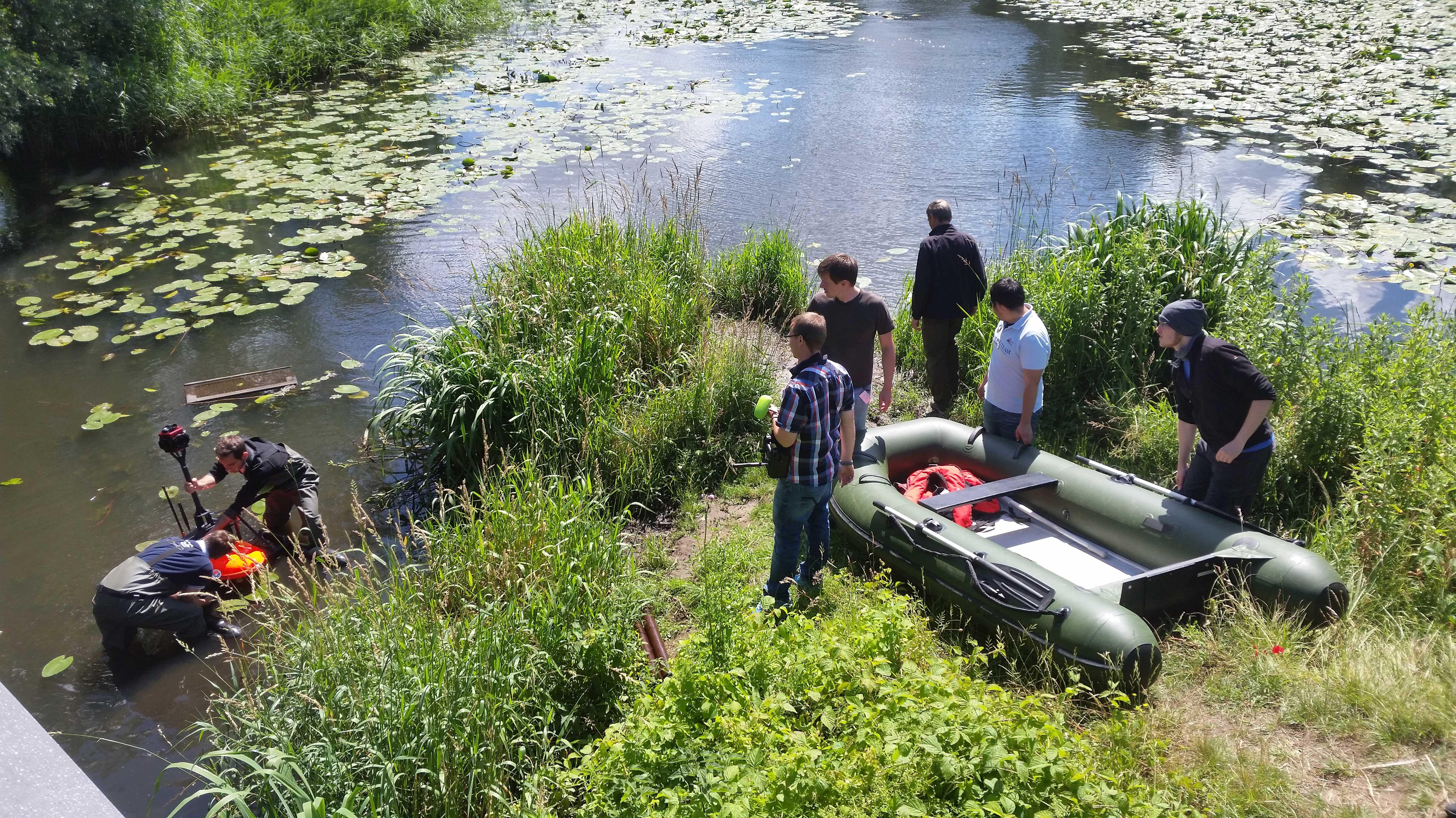 Die ReWaM-Verbundprojekte RiverView und BOOT-Monitoring lassen ihre innovativen Messfahrzeuge ins Wasser