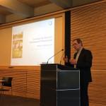 Mathias Uhl stellt dem Publikum die Grundzüge des Arbeitsblattes DWA-A 102 vor