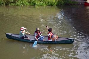 Exkursion via Kanu auf der Nidda. Foto: ISOE