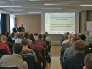 Heiko Westphal und Dieter Ackermann stellen Hintergrund und Ziele von StucK vor. Foto: LSBG Hamburg