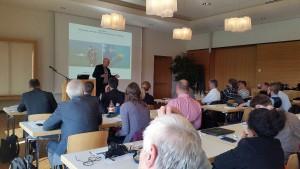 Dr. Wolfgang Ostendorp von dem Projektpartner LimnoAnalytics stellt Ergebnisse vor.