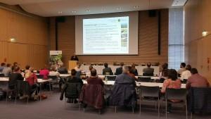 Dr. Bernd Spänhoff, LfULG, bei seinem Vortrag zur naturnahen Gewässerbewirtschaftung